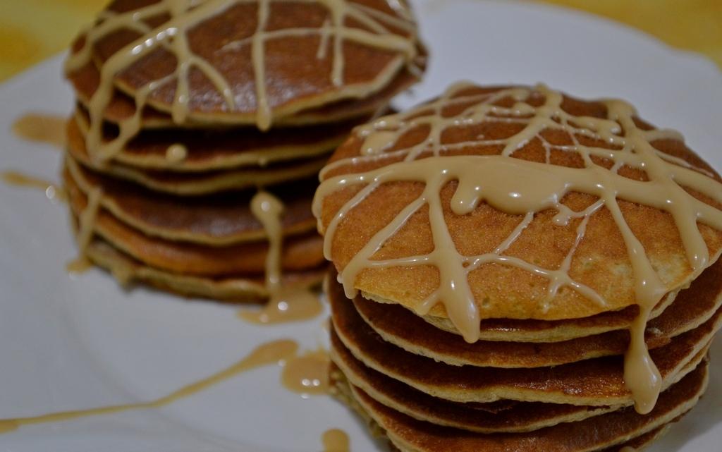 banana-pancakes-peanut-butter